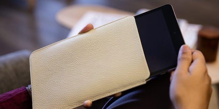 Housse simple iPad Mini - Blanc Cassé - Cuir Grainé