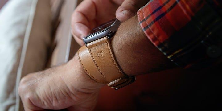 Double Tour Bracelet Apple Watch Series 6 / SE - (44 mm) - Naturel - Cuir Lisse